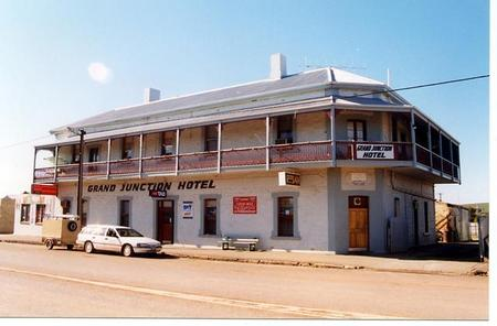 Grand Junction Hotel - Broome Tourism