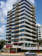 Beachfront Towers - Broome Tourism