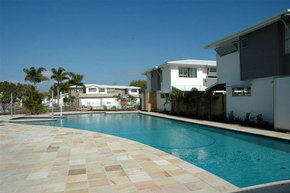 Coolum Villas - Broome Tourism