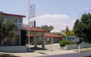 Country Comfort Cowra Countryman Motor Inn - Broome Tourism