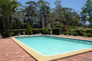 Beerwah Glasshouse Mountains Motel - Broome Tourism