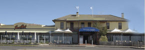 Barwon Heads Hotel - Broome Tourism