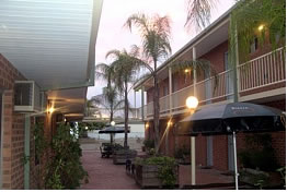 Yarrawonga Central Motor Inn - Broome Tourism