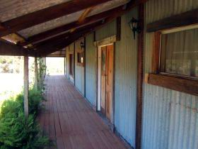 Pike River Woolshed - Broome Tourism