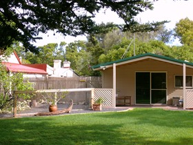 Shiralea Country Cottage - Broome Tourism