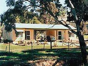 SunnyBrook Bed and Breakfast - Broome Tourism