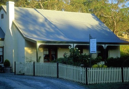 Country Pleasures Bed and Breakfast - Broome Tourism