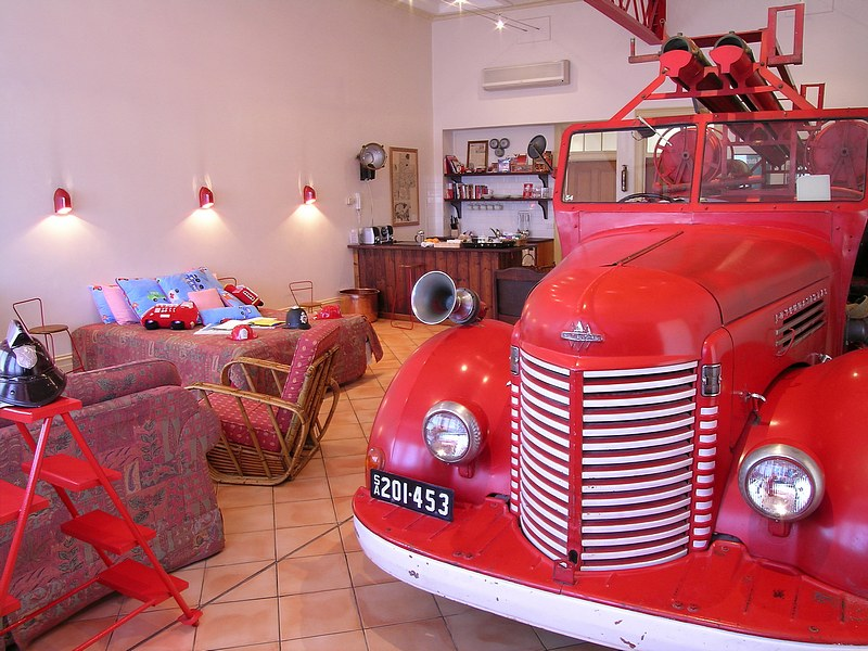 The Fire Station Inn - Fire Engine Suite - Broome Tourism