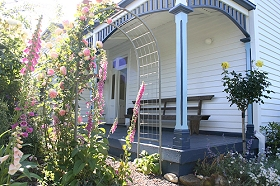 Devonport Bed  Breakfast - Broome Tourism