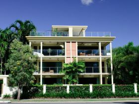 Cairns Beachfront Apartment - Broome Tourism
