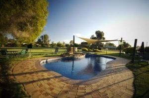 Howlong Country Golf Club  Motel - Broome Tourism
