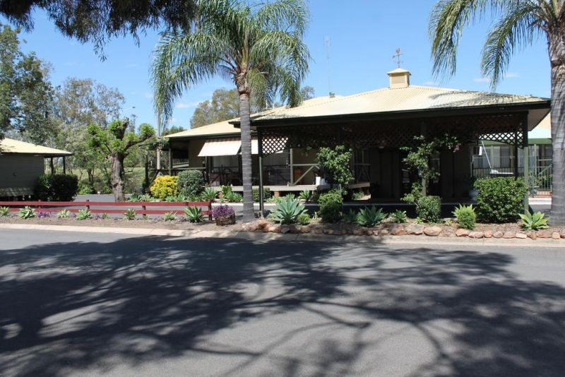 Lake Forbes Motel - Broome Tourism