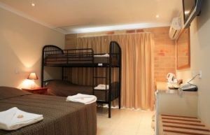 Emerald Central Palms Motel - Broome Tourism
