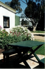 Dunalan Host Farm Cottage - Broome Tourism