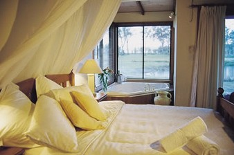 Lake Weyba Cottages - Broome Tourism