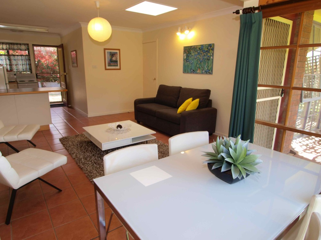 Bright Highland Valley Cottages - Broome Tourism