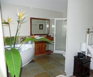 Airlie Waterfront Bed and Breakfast - Broome Tourism