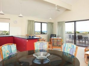 Peregian Court Resort - Broome Tourism