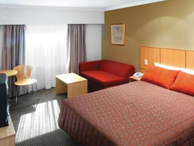 Travelodge Hotel Sydney - Broome Tourism