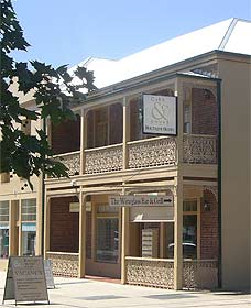 Cobb  Co Court Boutique Hotel - Broome Tourism