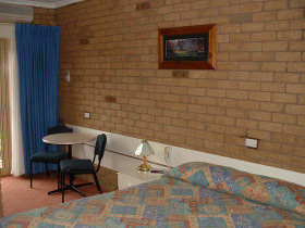 Bogong Moth Motel - Broome Tourism
