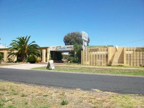 Nhill Oasis Motel - Broome Tourism