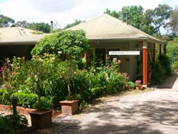Treetops Bed And Breakfast - Broome Tourism