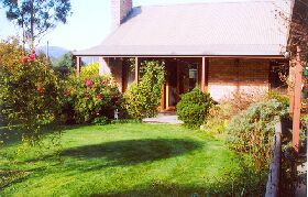 Canowindra Cottage - Broome Tourism