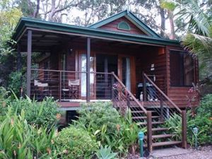 Lake Weyba Cottages Noosa - Broome Tourism