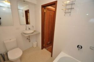 Camperdown 21 Brigs Furnished Apartment - Broome Tourism