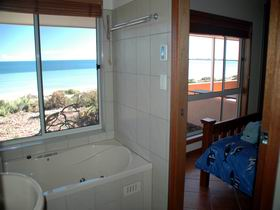 Ceduna Shelly Beach Caravan Park and Beachfront Villas - Broome Tourism