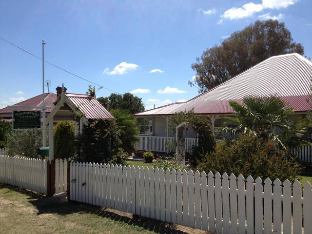 Tenterfield Luxury Historic c1895 Cottage - Broome Tourism