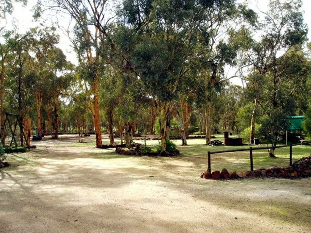 Toodyay Holiday Park  Chalets - Broome Tourism