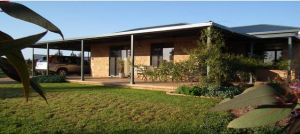 Welcome Cottage Executive Serviced Accommodation - Broome Tourism