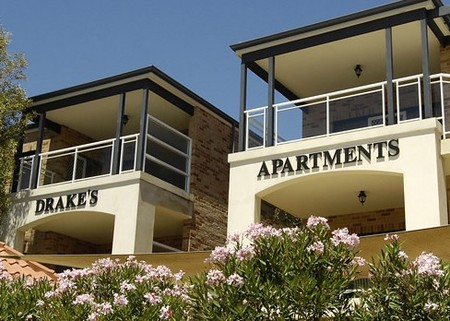 Drakes Apartments with Cars - Broome Tourism