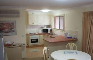 Charlotte Apartments - Broome Tourism