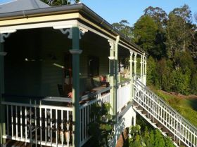 The Sanctuary Springbrook. Guest House / Cottage - Broome Tourism