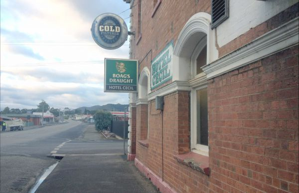 Cecil Hotel Zeehan - Broome Tourism