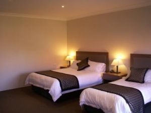 Parkes Int Motor Inn - Broome Tourism