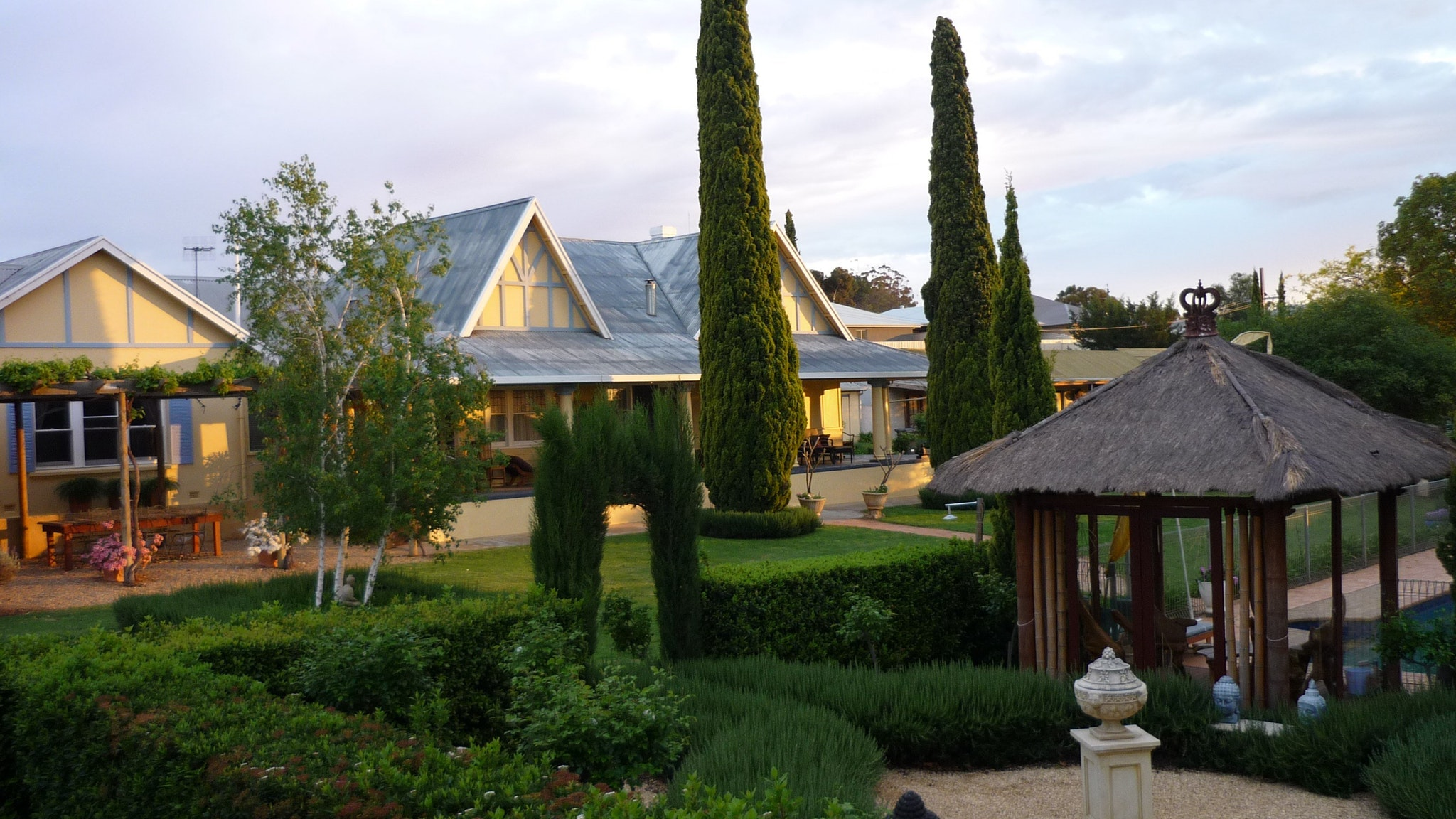 Berri Bed and Breakfast - Broome Tourism