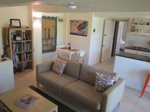 Bangalow Studio Apartment - Broome Tourism