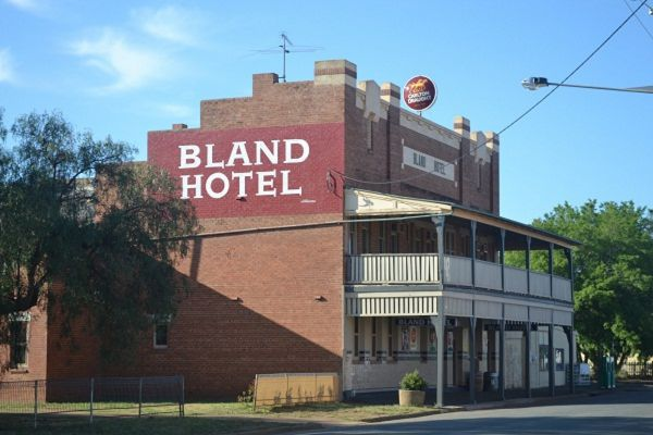 Bland Hotel - Broome Tourism