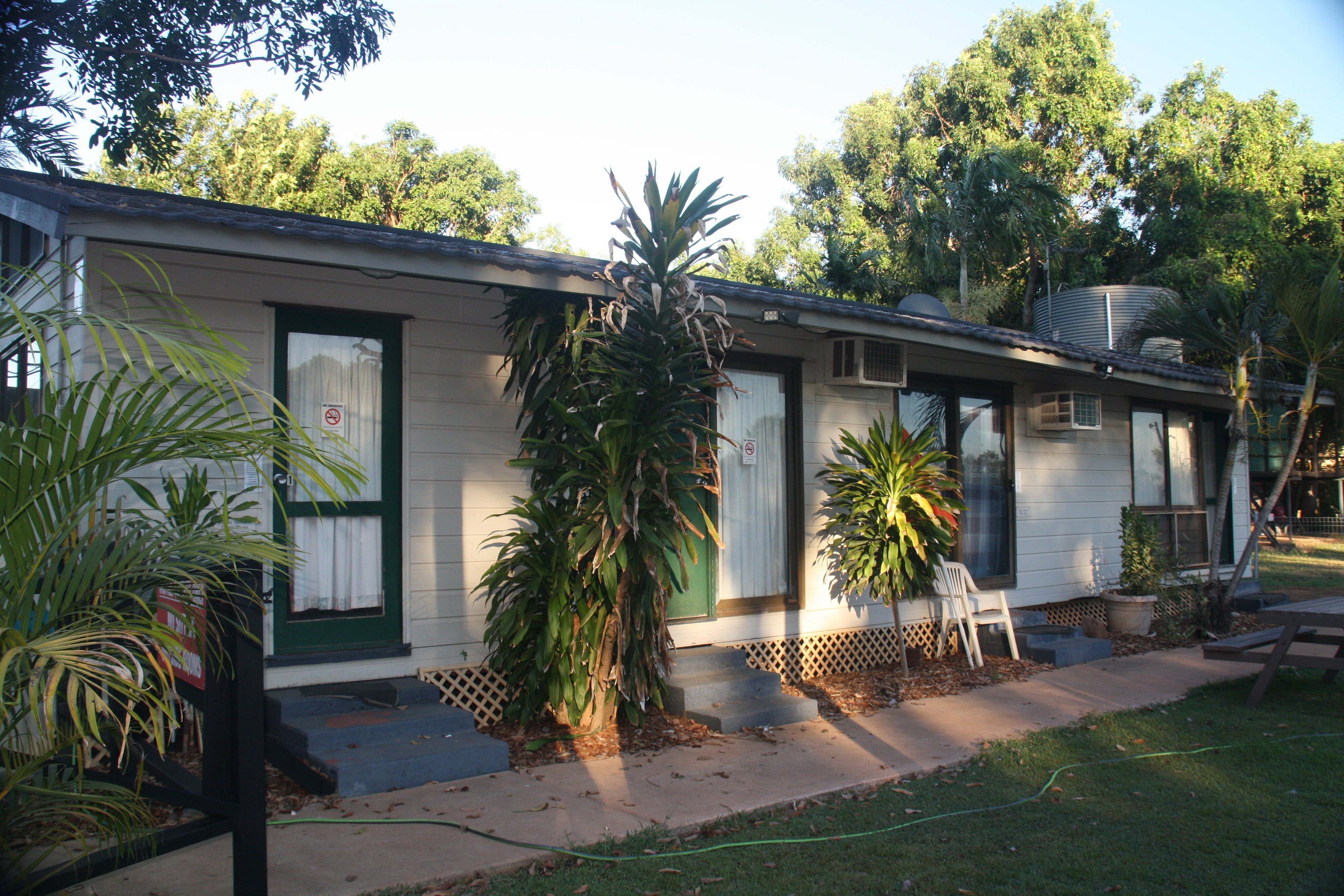 Daly River Roadside Inn - Broome Tourism