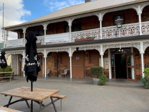 The Sheffield Hotel Tasmania - Broome Tourism