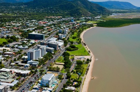 Rydges Esplanade Resort Cairns - Broome Tourism