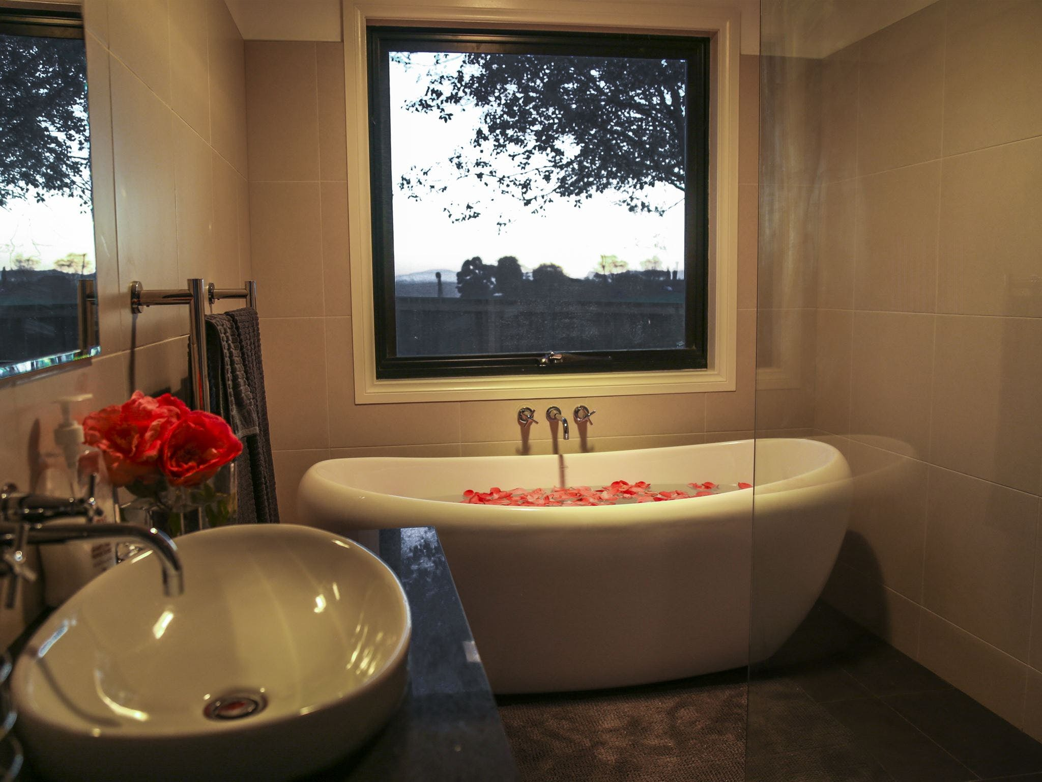 Ballachulish Farm Stay - Broome Tourism