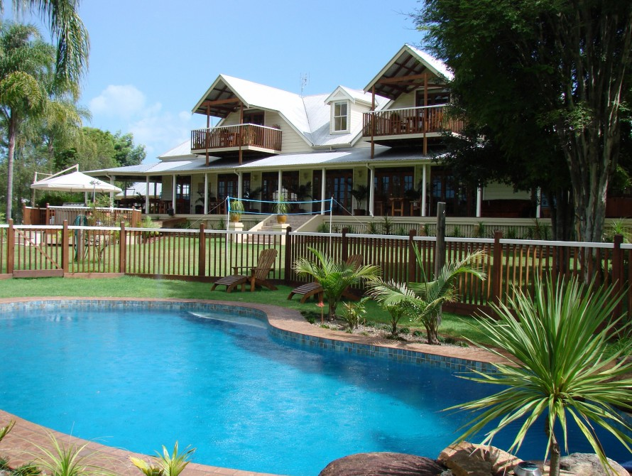Clarence River Bed  Breakfast - Broome Tourism