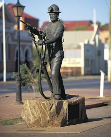 Miners Monument - Broome Tourism