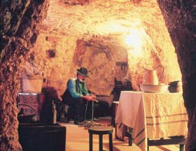Umoona Opal Mine And Museum - Broome Tourism
