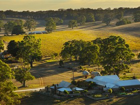 Hutton Vale and Farm Follies - Broome Tourism